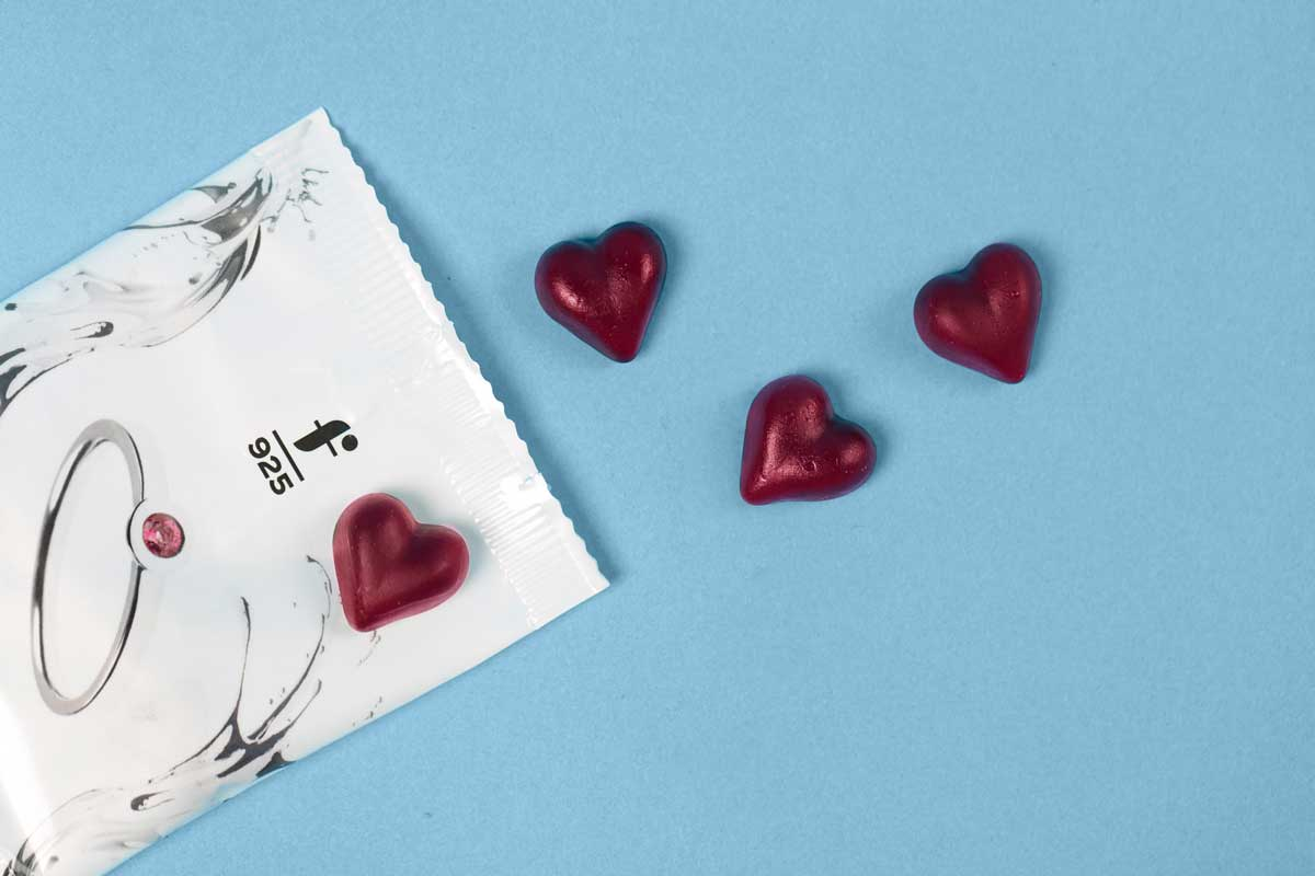 Rote Fruchtgummi-Herzen mit Fritsch Sterling Tüte