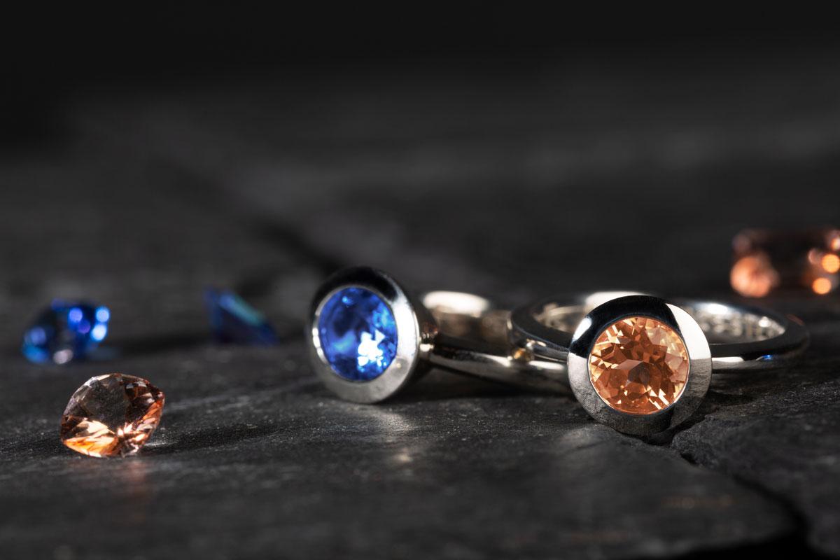 Ringe mit Royal Blue und Peach Topasen von Fritsch Sterling