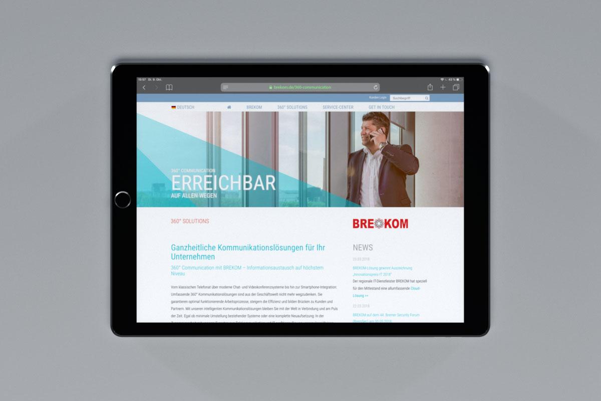 BREKOM-Website auf einem Tablet