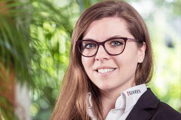Portrait von Julia Suhren-Schräge