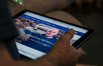 Vollers-Website präsentiert auf einem Tablet