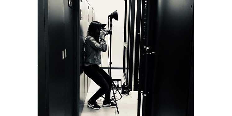 Werbeagentur Fotografin Julia beim BREKOM-Shooting